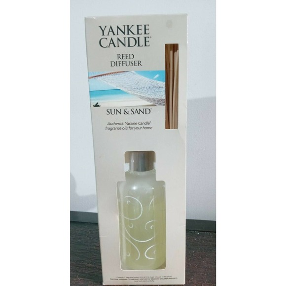 Yankee Candle Reed Diffuser Sun & Sand Retired 6.5 oz. Glass & 10 Reeds
